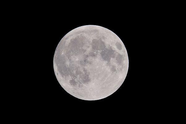 photo-of-full-moon-975012.jpg