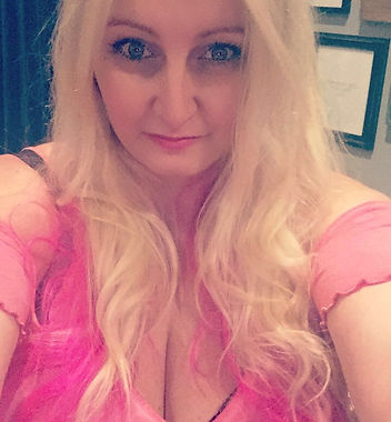 Aria Moonstone Angel & Tarot Card Reader, Psychic, Medium, Reiki Practioner, Astrologer, Life Coach