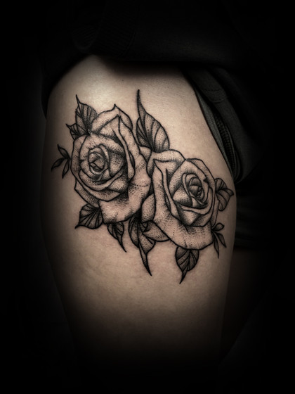 Roses on the hip/thigh