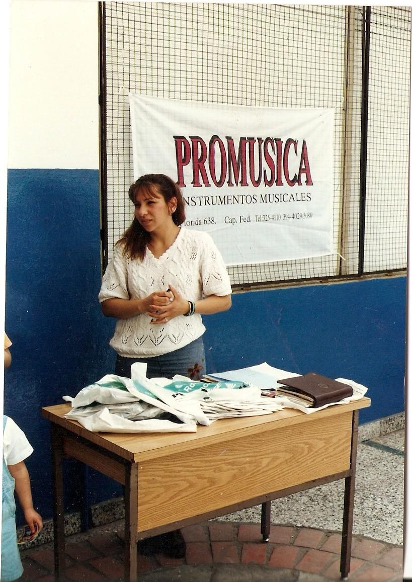 PRESENTACIÓN DE MARCAS Y PRODUCTOS