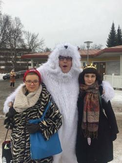 Polar bear pitching event