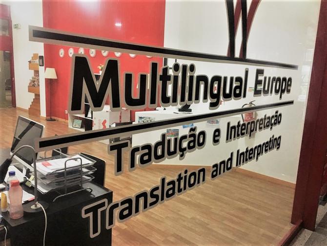 Traduções oficiais