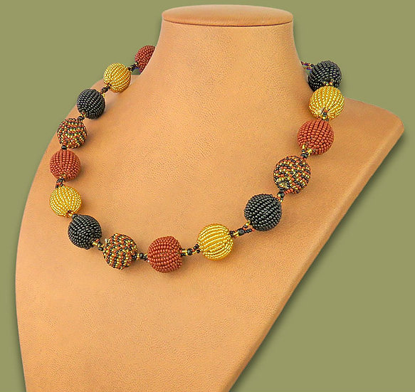 Beaded Bobble necklace (Brown/Gold/Black)