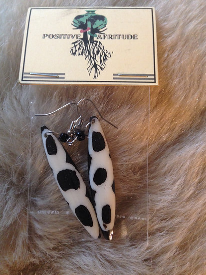African (cow) bone earring (Brown/White)