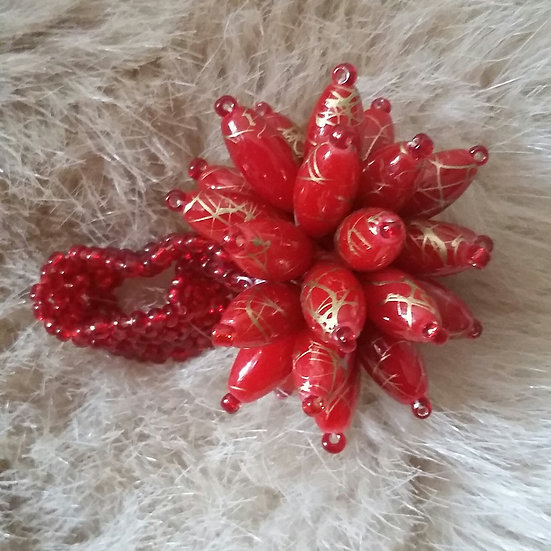 Statement beaded flower ring (Deep red/Gold)