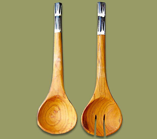 Salad servers with cow bone handle