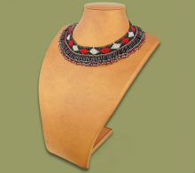 Beaded Thandi collar necklace (Black/Silver/Red)
