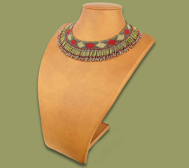 Beaded Thandi collar necklace (Red/Beige/Metallic)