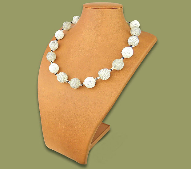 Beaded Bobble necklace (White)