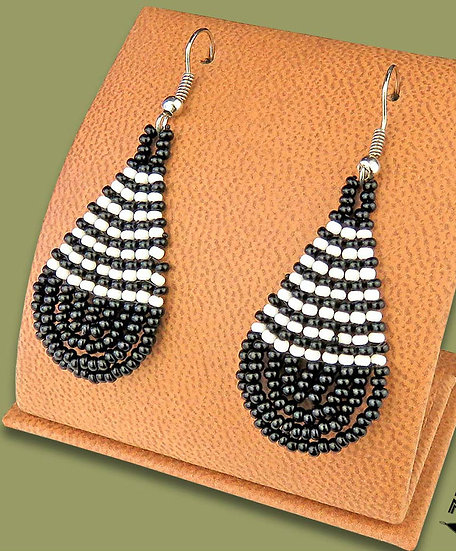 Beaded African teardrops (Red/Black/Gold)