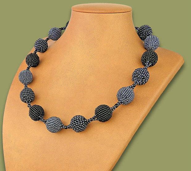 Beaded Bobble necklace (Black/Metallic)