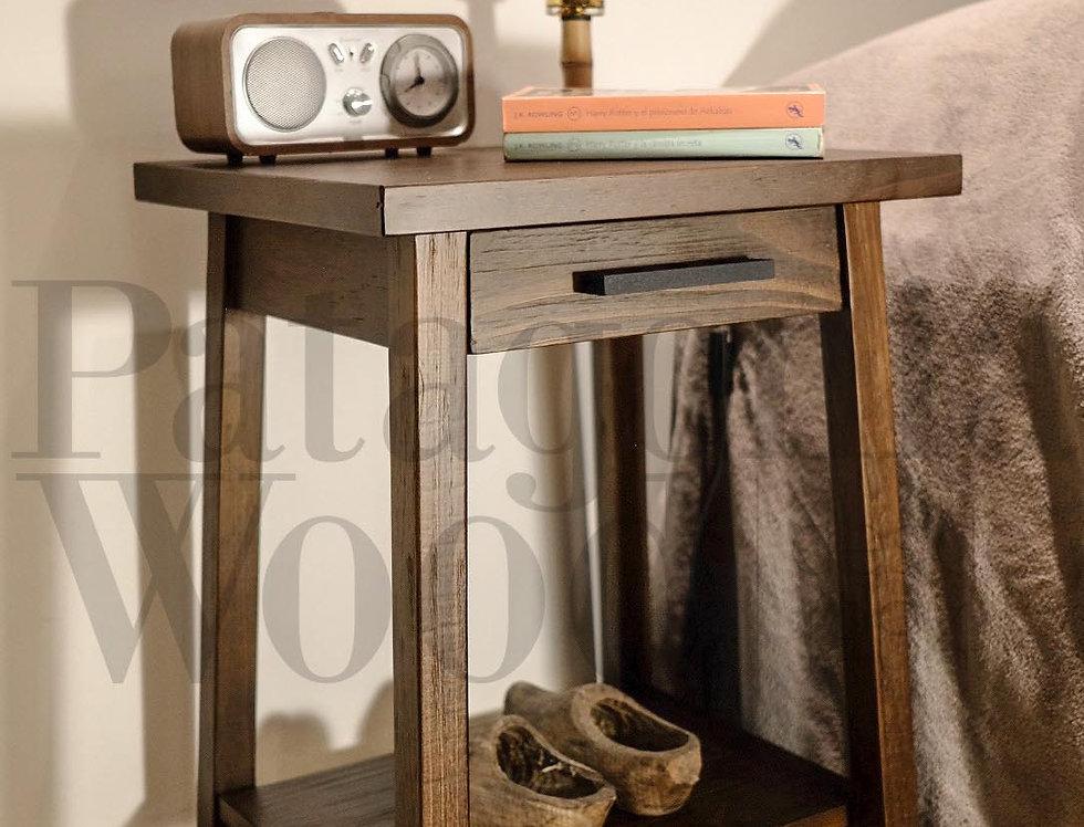 Mesa de luz 1 cajón y 1 estante