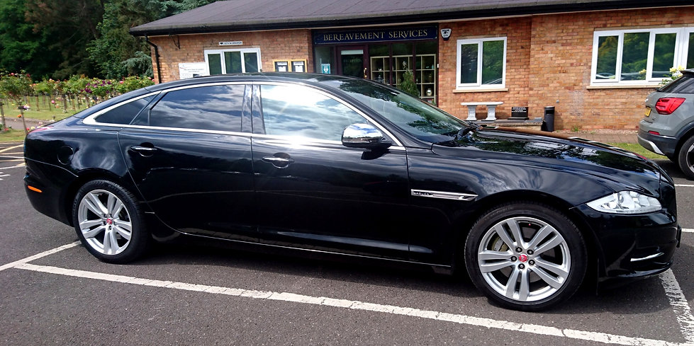 Funeral car hire in Newark
