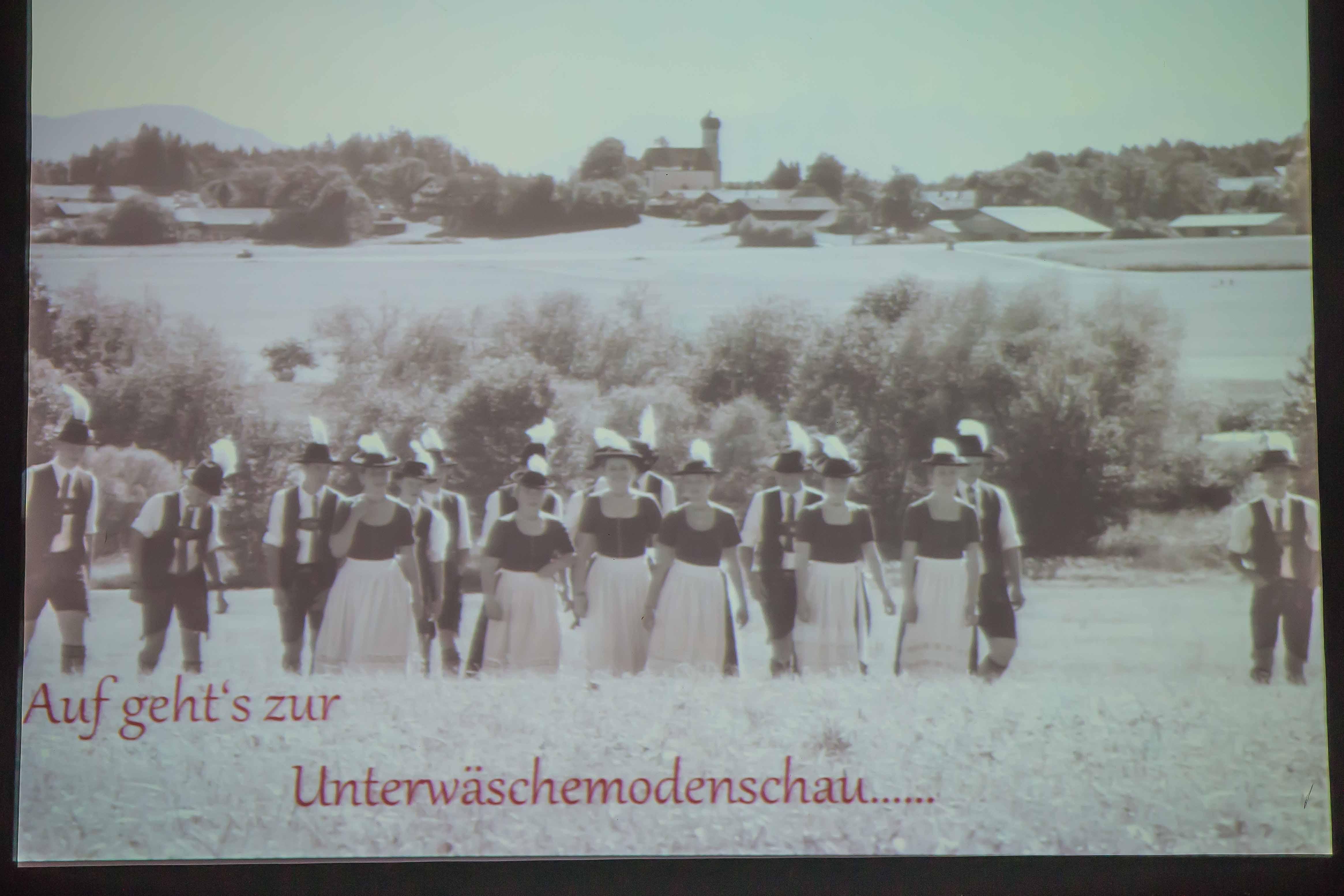 UL2017_0728  02585 GF 03 Modeschau Wein