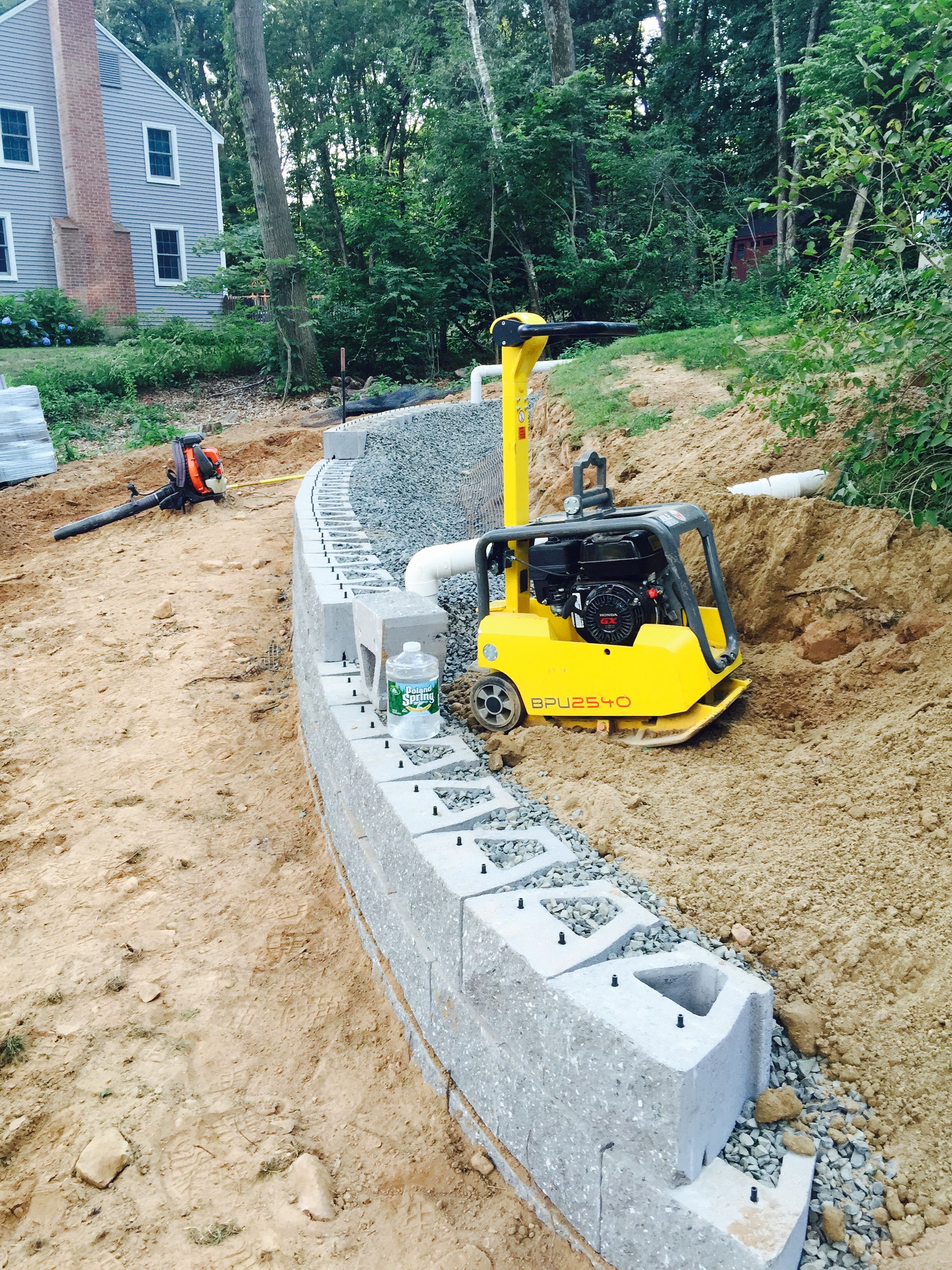 Retaining Wall Simsbury CT 06070