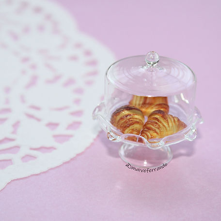 miniature polymer clay croissants, maive ferrando, polymer clay croissants, miniature croissants, miniature food, dolls house food, handmade miniature food, kawaii croissants, tiny croissants, one inch scale food,