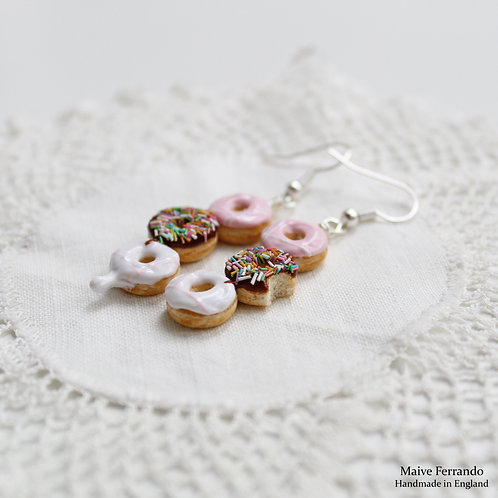 doughnut earrings,donut earrings,food earrings,donut jewelry,food jewelry,polymer clay doughnuts,handmade earrings,bakery