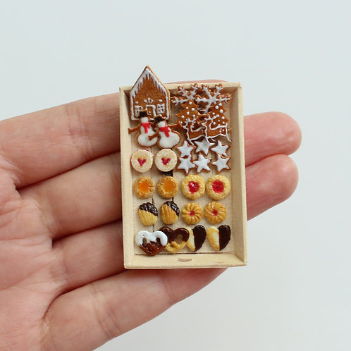 miniature christmas cookies,polymer clay food,miniature food,fimo food,miniature art,dollhouse food,handmade miniatures