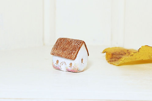 Miniature House ~ English Country Cottage ~