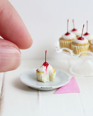 miniature cherry cupcake, maive ferrando, maive ferrando cakes, maive ferrando miniatures, miniature food, polymer clay food, polymer clay cake, polymer clay cupcake, cherry cupcakes, polymer clay miniature cake, dolls house food, dolls house cake, fimo cake, miniature fimo cake, handcrafted miniature food, tiny food for miniature houses