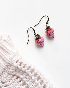 pineberry%20earrings%2014_edited.jpg