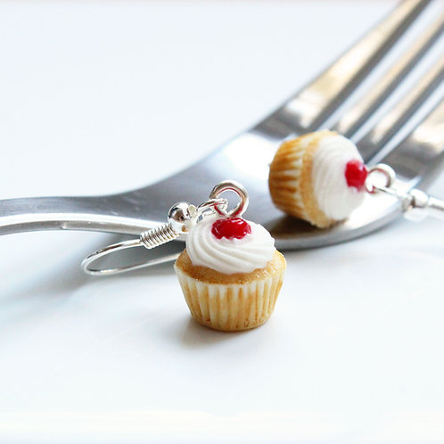 cupcake earrings,cupcake jewellery,miniature food,miniature food jewelry,food jewelry,polymer clay food,polymer clay cupcakes