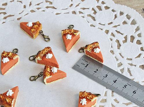 pumpkin pie charm, pumpkin pie pendant, pumpkin pie jewelry, food jewelry, polymer clay food, miniature food jewelry, fimo