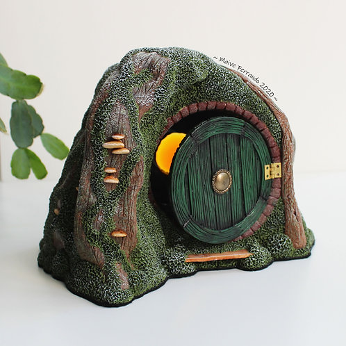 miniature hobbit house,hobbit house sculpture,polymer clay hobbit house,fantasy house,fairy house