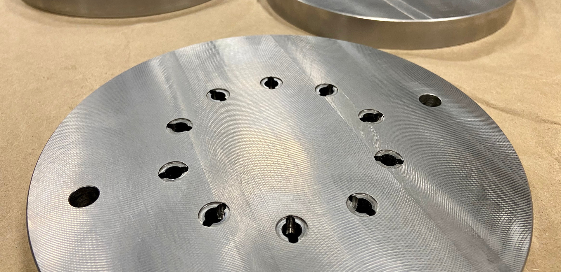 Extrusion tooling