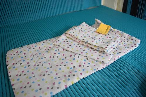 Lot couverture et oreiller pour poupon