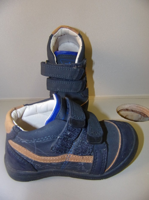 Chaussure t 23