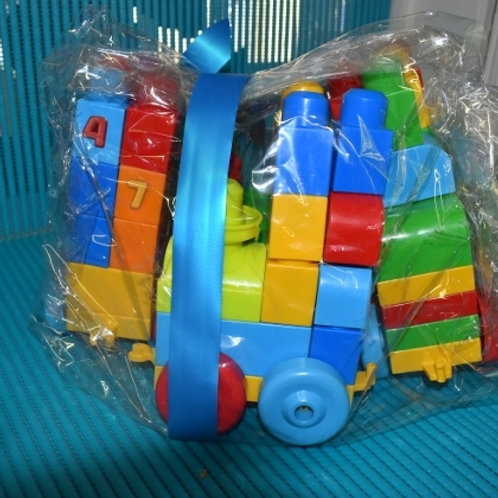 MEGA BLOCKS train first builders