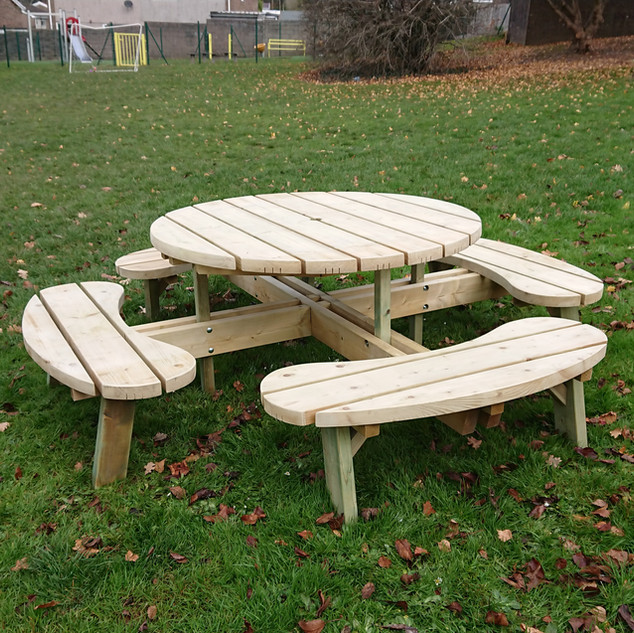Chunky-Round-Picnic-Tables