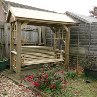 Wooden-Garden-Swingseat