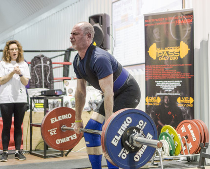 Powerlifting 52. Week 36 summary ... first time on the platform!