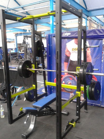 Powerlifting 9. Prep for the powerlifting meet next Saturday and a new squat PB