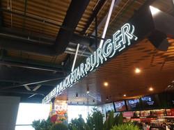 """Рекламная вывеска """"Black Star Burger""""  и фриз из алюминиевого композита"""