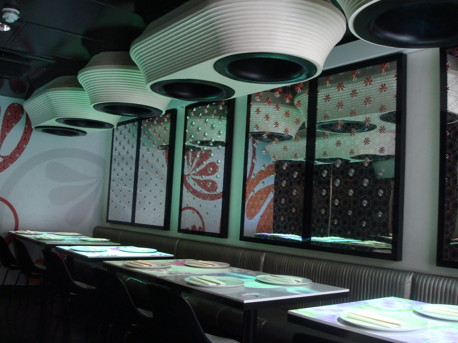 inamo soho japanese restaurant london interactive table menu light up (3)