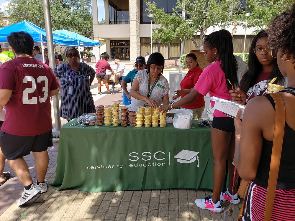 SSC Provides Blue Bell for Howdy Week