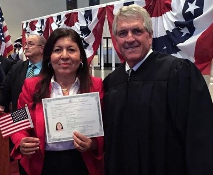Rafaela Vasquez de Arredondo gains US Citizenship