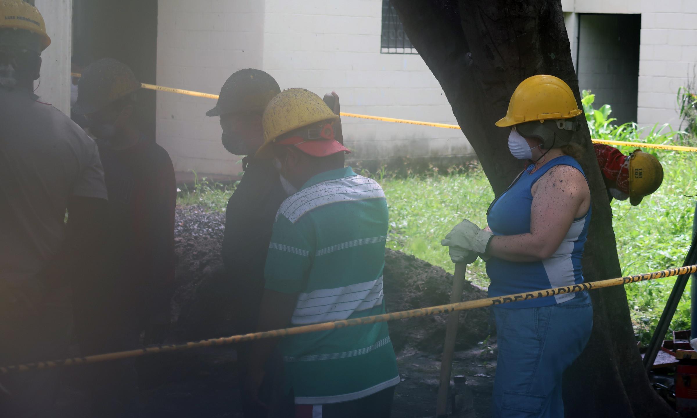 Sarah (SSC) helps drill