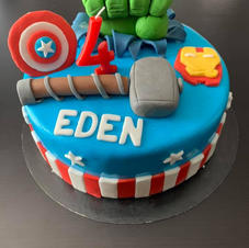 cake design avengers