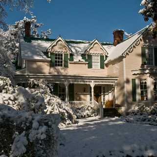 House Front Snow