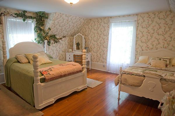 Faerie Glen Bedroom