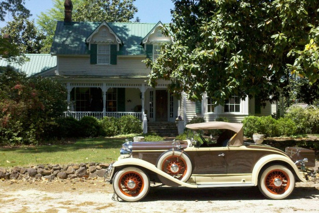 House&VintageCar