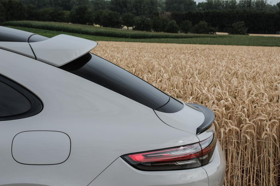 porsche-cayenne-turbo-s-e-hybrid-coupe-30.jpg