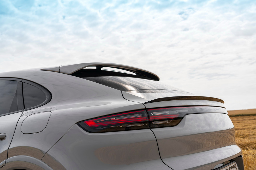porsche-cayenne-turbo-s-e-hybrid-coupe-11.jpg