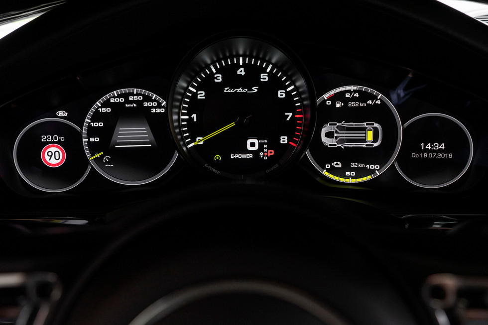 porsche-cayenne-turbo-s-e-hybrid-coupe-04.jpg