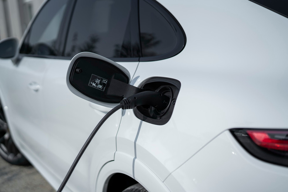 porsche-cayenne-turbo-s-e-hybrid-coupe-01.jpg