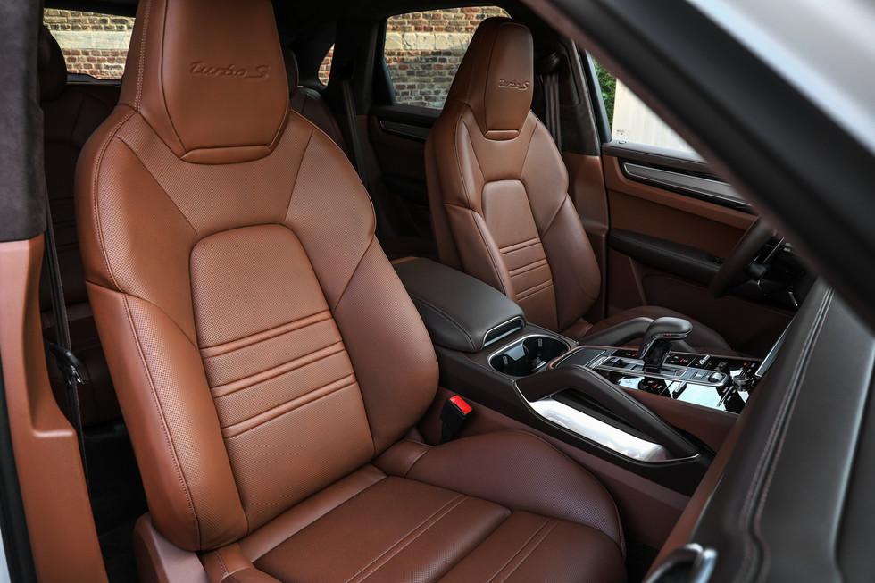 porsche-cayenne-turbo-s-e-hybrid-coupe-27.jpg